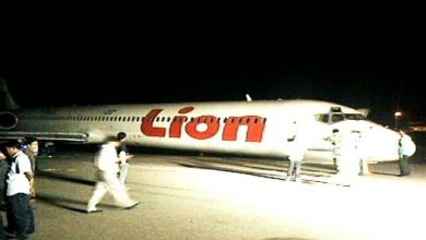Photo of Lion Air yang mendarat tanpa roda hidung.