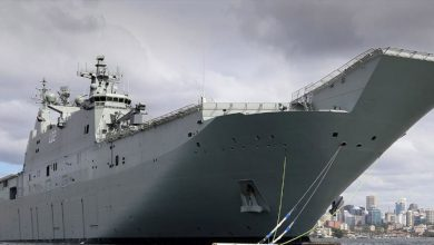 Photo of HMAS Canberra, Kapal Perang Terbesar Australia Yang Singgah di Jakarta.